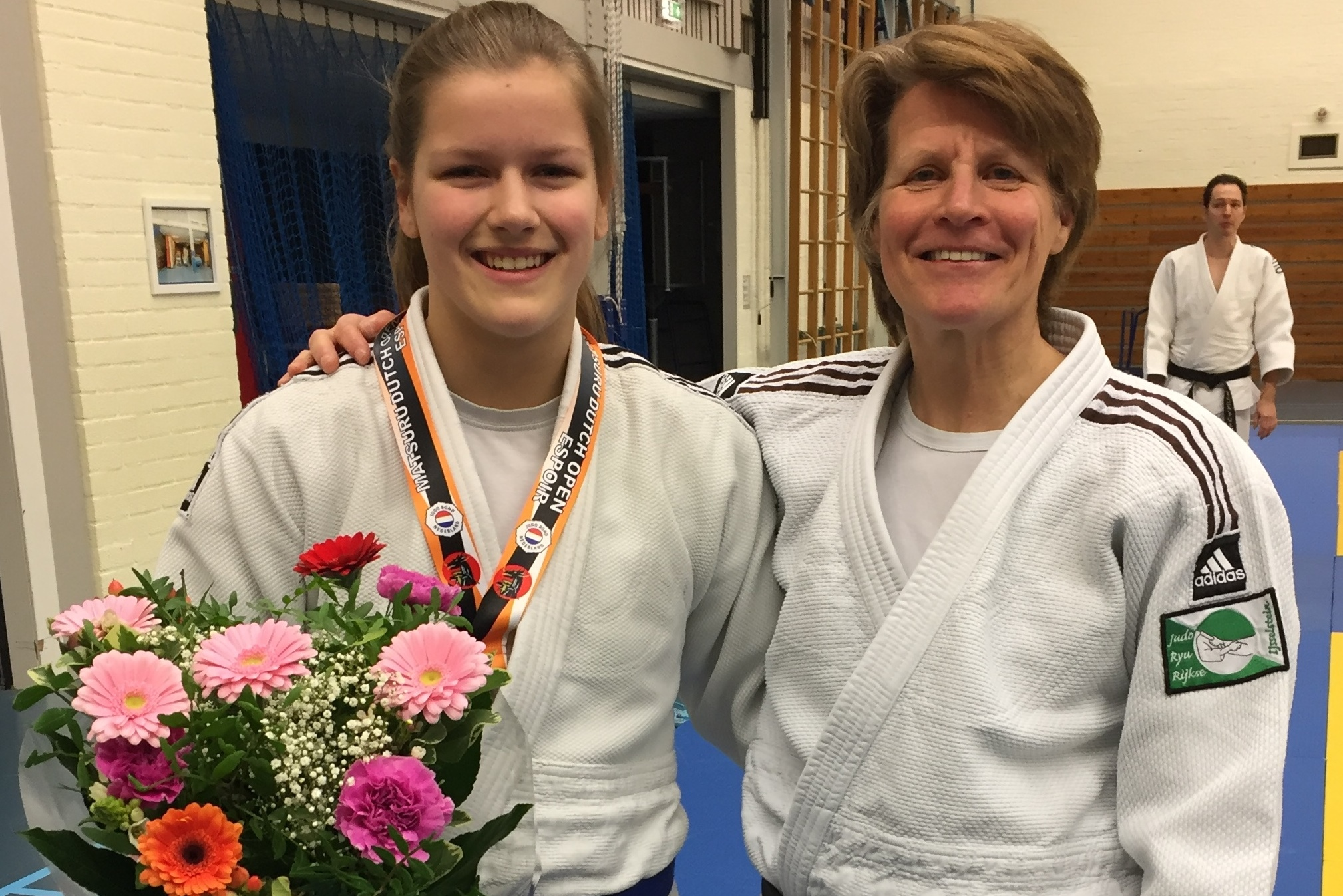 Esmé Scherrenberg gehuldigd vanwege haar prestatie op het internationale Espoir toernooi